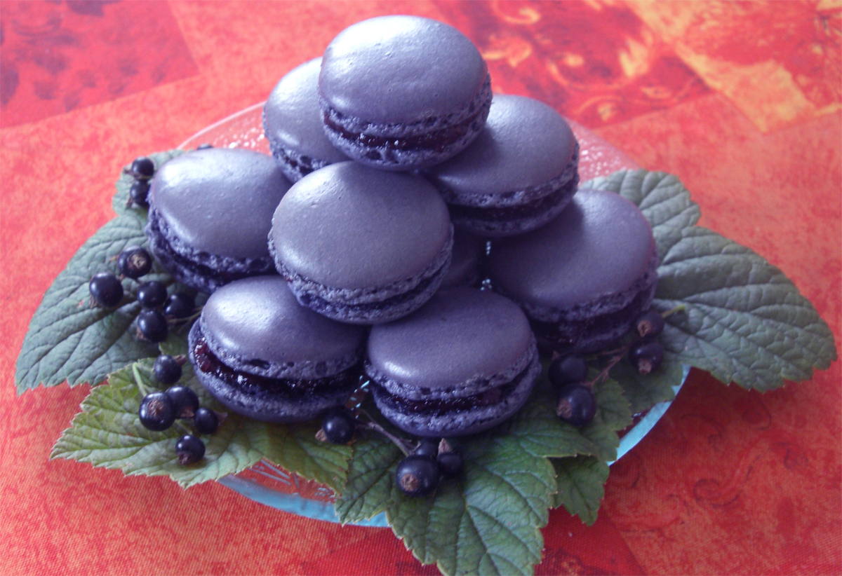 Macarons cassis-violette