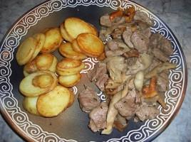 Saute d'agneau aux champignons
